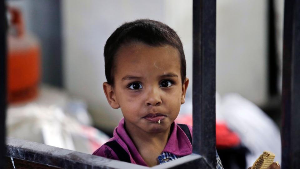 Gaza U.N. school hit by shells