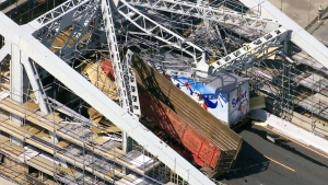 Bridge scaffolding collapses on Burlington Skyway