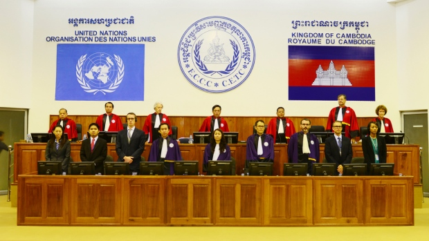 Two top Khmer Rouge leaders get life sentences