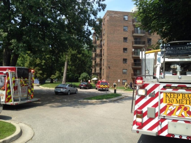 Fire crews respond to a blaze at an apartment building on Proudfoot Lane in London, Ont. on Friday, Aug. 8, 2014. (Sean Irvine / CTV London)