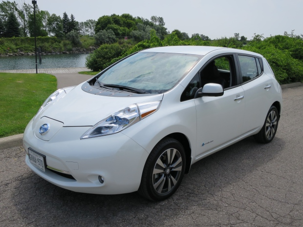 2015 nissan leaf offers up new features premium feel ctv news autos. Black Bedroom Furniture Sets. Home Design Ideas