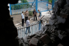 Prison shelled in Donetsk Ukraine