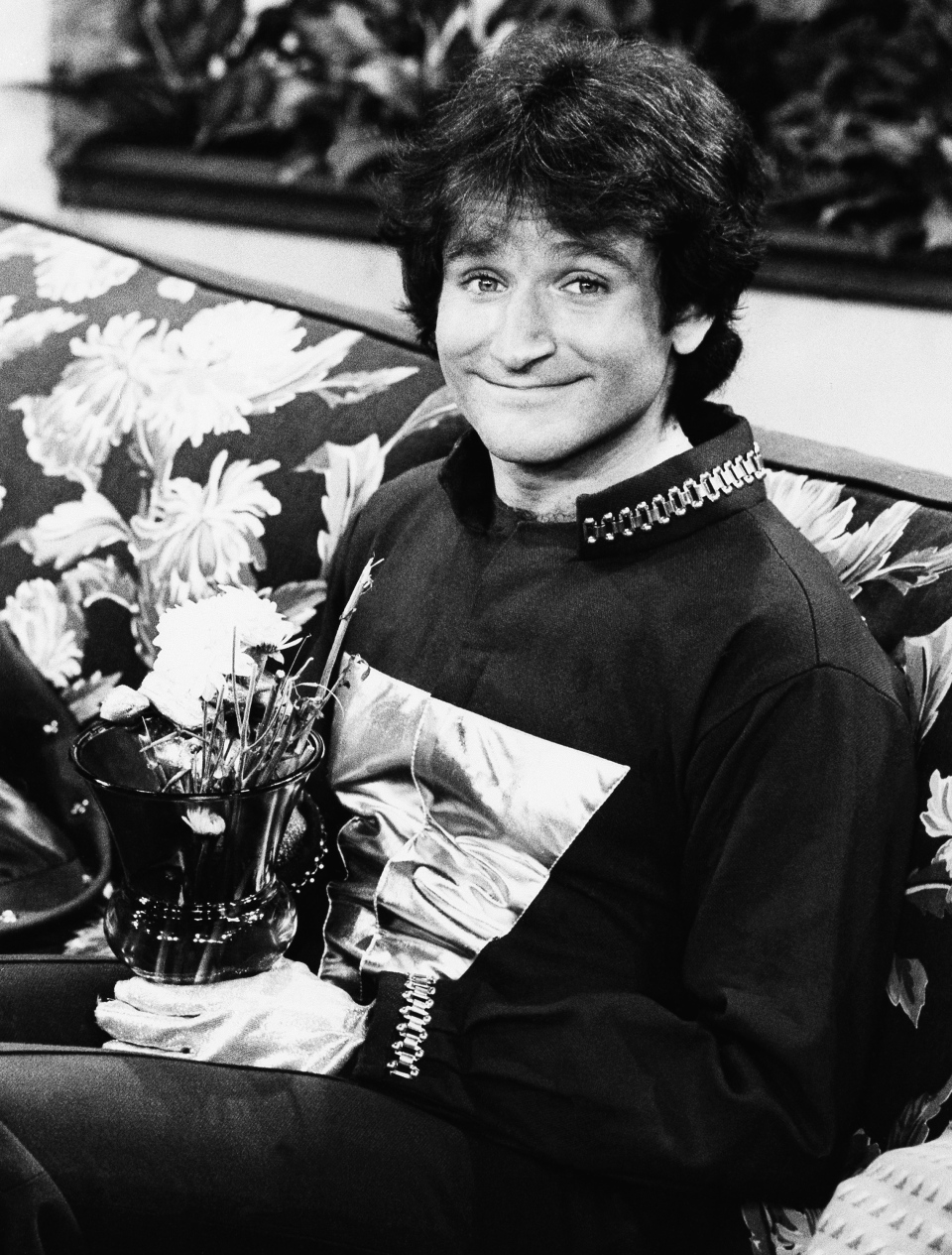 "This 1978 file photo originally released by ABC shows actor Robin Williams on the set of ABCs ""Mork and Mindy."" Williams, whose free-form comedy and adept impressions dazzled audiences for decades, has died in an apparent suicide.(AP Photo/ABC, File)"