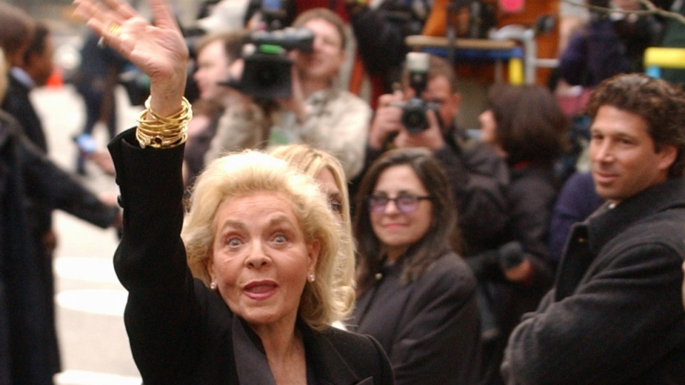 Lauren Bacall in New York on March 16, 2002 (AP /Ed Betz)