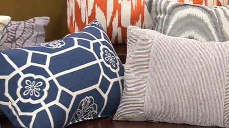Canada AM home and decor expert Karl Lohnes shares easy tips to decorate with pillows.