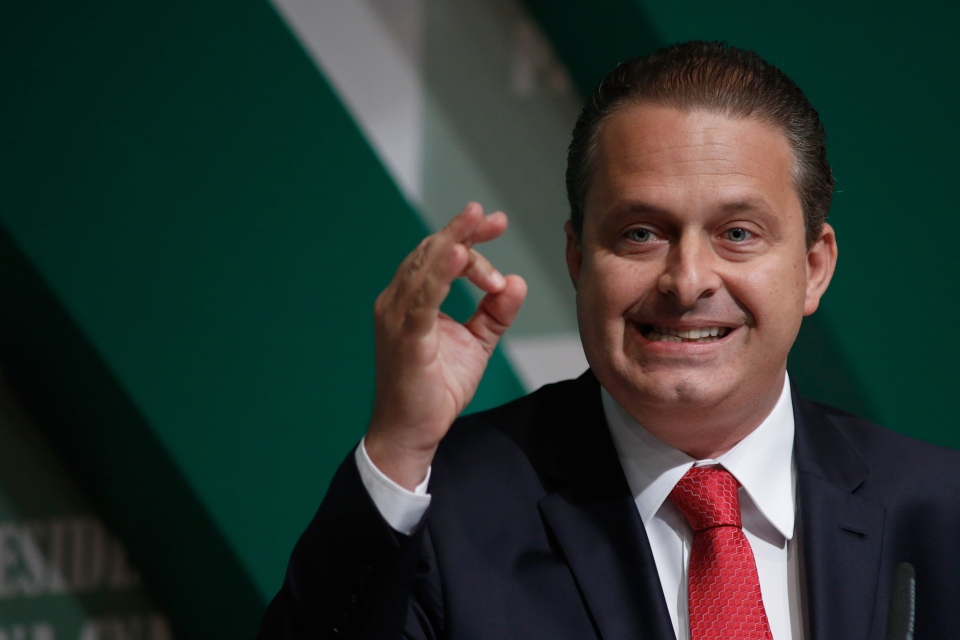 Brazilian Socialist Party (PSB) presidential candidate Eduardo Campos campaigns in Brasilia, Brazil on Aug. 6, 2014. Local officials say Campos has died in an air crash in the city of Santos. (AP / Eraldo Peres)