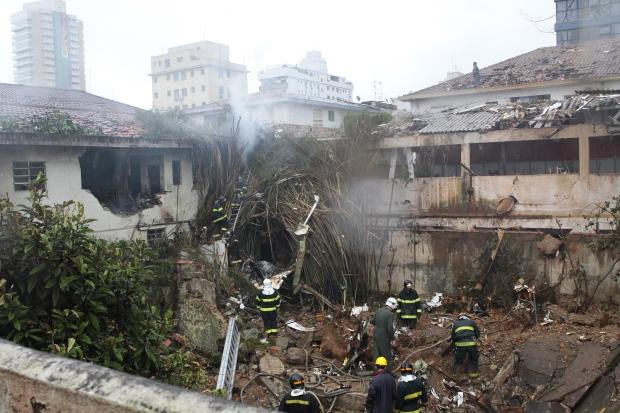 Brazil presidential hopeful killed in plane crash