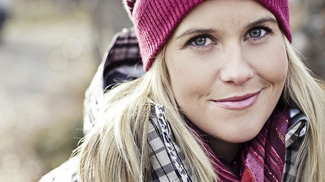 The family of late freestyle skiing star Sarah Burke will be travelling to Sochi to watch the women's halfpipe skiing event.
