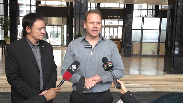 U.S. daredevil Nik Wallenda speaks with reporters after meeting with Ontario Tourism Minister Michael Chan. (CTV News/Francis Gibb)