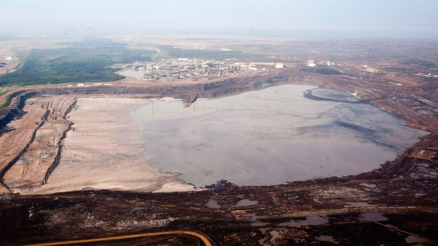 Report shows oilsands are among riskiest projects