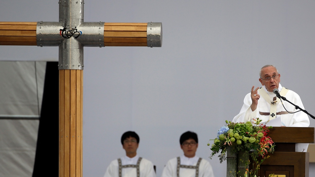 Pope reaches out to China