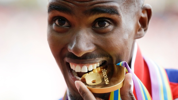 Mo Farah wins 5km at European Championships