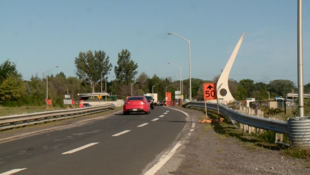 Work resumes on the Airport Parkway bridge