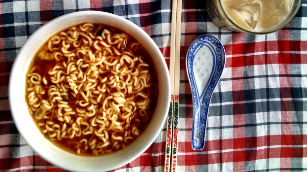 What are the negative effects of instant noodles?