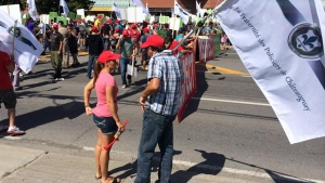 Police officers protest in Chateauguay