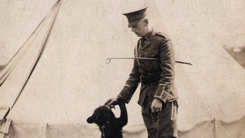 Harry Colebourn and his bear Winnie are shown in this handout photo from 1914 supplied by Colebourn's great-granddaughter Lindsay Mattick. (Handout / THE CANADIAN PRESS)