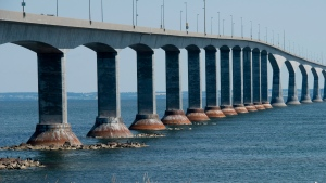 The Confederation bridge is pictured on Tuesday, Aug., 13, 2013. (Jonathan Hayward / THE CANADIAN PRESS)