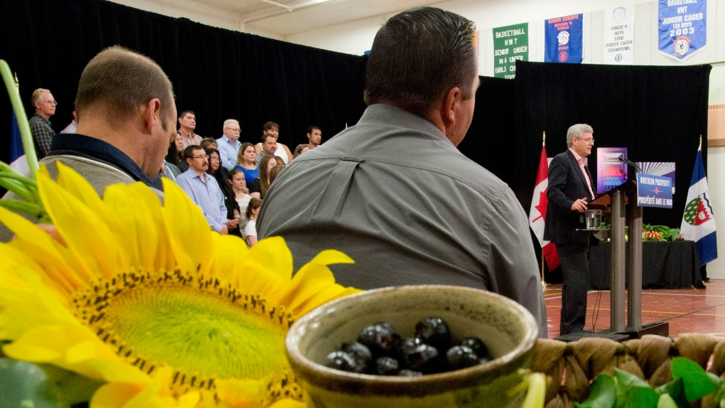 Harper touts agriculture on trip to the Arctic