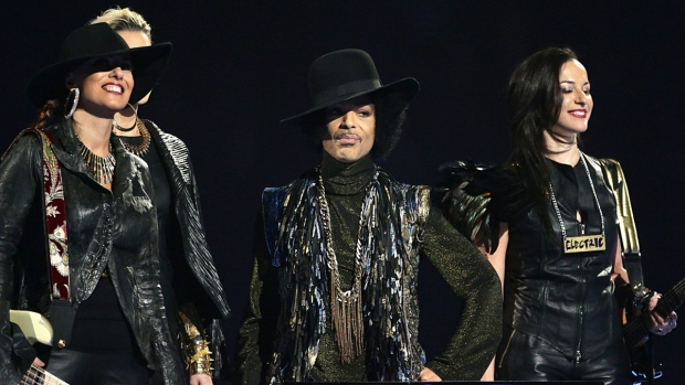 Prince and 3rdeyegirl on stage