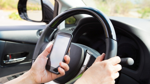 Distracted driving fine in Ontario