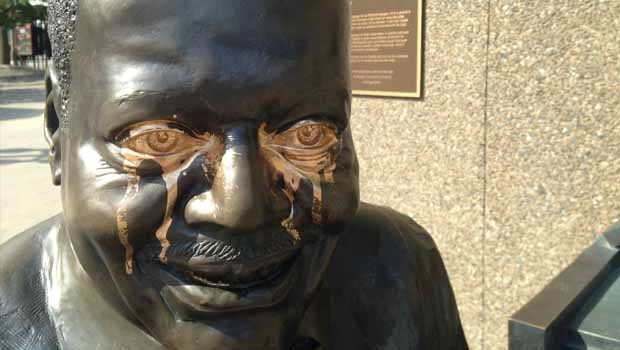 Oscar Peterson statue vandalized