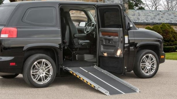 Sunshine Transit Services is going before the Manitoba Taxicab Board seeking the special licence for limos for people with disabilities. (file image courtesy MV-1)