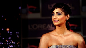 Indian Bollywood actress Sonam Kapoor tweeted that she preferred to make a donation rather than take part in a water-intensive ice bucket challenge.