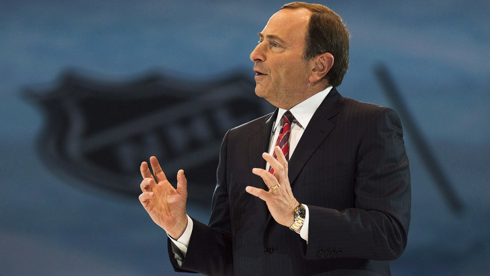 NHL Commissioner Gary Bettman speaks to media and fans in Toronto on Tuesday, Feb. 4, 2014. (Aaron Vincent Elkaim / THE CANADIAN PRESS)