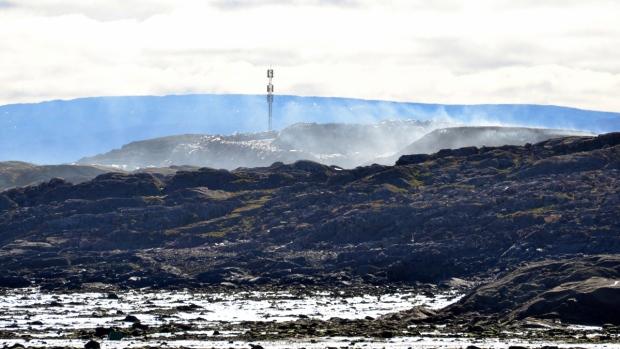 Dumpcano burns in Iqaluit, Nunavut