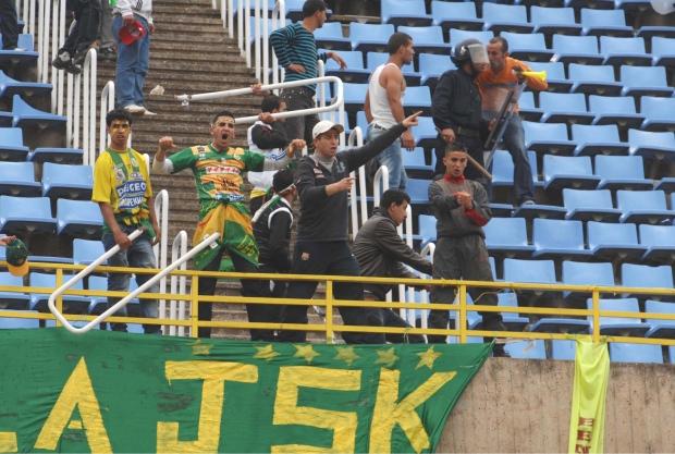 Algeria soccer stoning