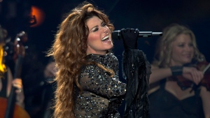Shania Twain performs at the PEI 2014 Founders Week Concert at the Charlottetown Event Grounds in Charlottetown on Saturday, August 30, 2014. (Andrew Vaughan / THE CANADIAN PRESS)