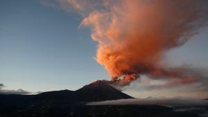 The Tungurahua volcano throws ash and stones during an eruption seen from Banos, Ecuador, Sunday, Aug. 31, 2014.. (AP / Dolores Ochoa)