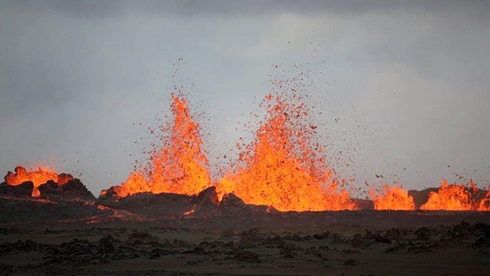 University of Iceland geologist Ármann Höskuldsson captured this eruption at the Holuhraun field near the Bardarbunga volcano Sunday, Aug. 31, 2014. (University of Iceland / Ármann Höskuldsson / Twitter)