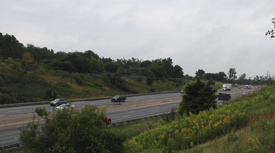 Traffic moves along Highway 401 in Cambridge, Ont., on Tuesday, Sept. 2, 2014. (Brian Dunseith / CTV Kitchener)
