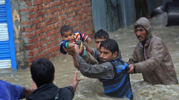 Flooding in Kashmir kills 116