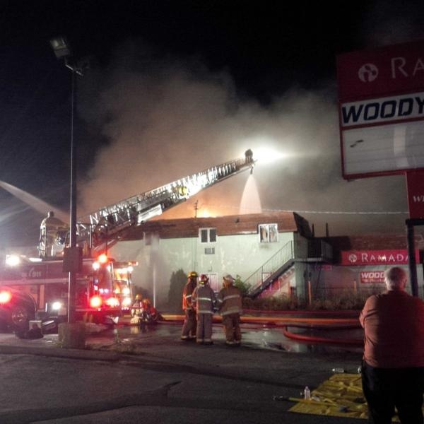 St. Thomas fire crews battle a blaze at the vacant Ramada Inn, in St. Thomas, Ont. on Monday, Sept. 9, 2014. (Dianne Nickson/ Twitter)