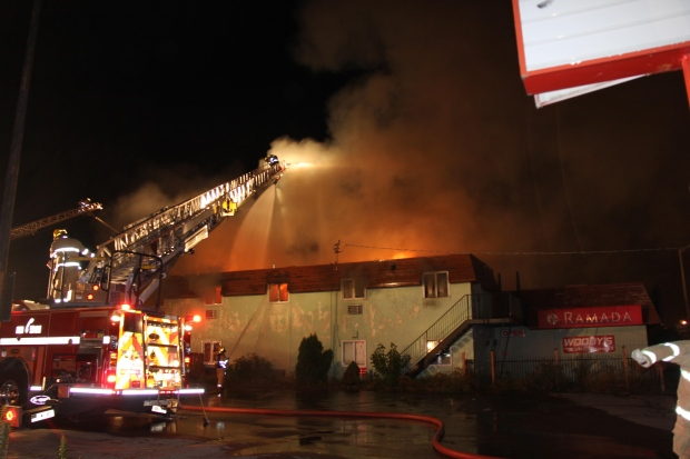 Fire crews respond to a fire at the former Ramada hotel in St. Thomas, Ont. late Monday, Sept. 8, 2014. (Courtesy Sharleen Smith)