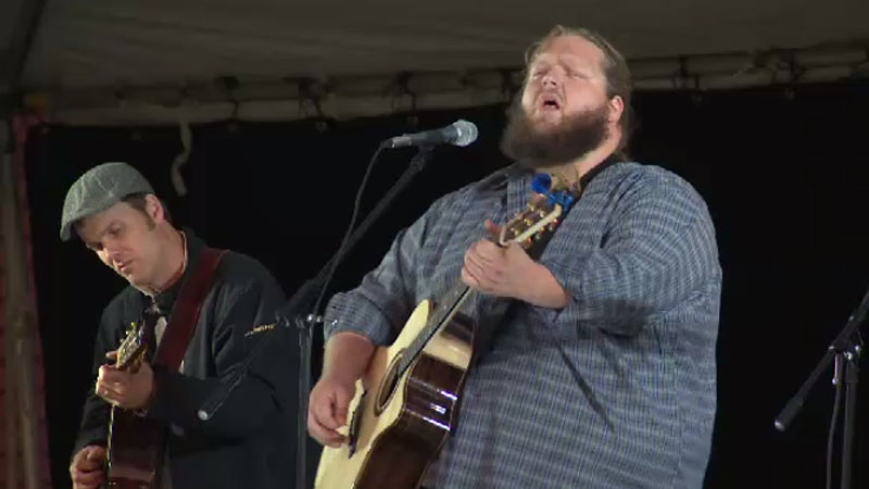 Dave Gunning and Matt Andersen perform at the Clean the Mill concert in Pictou, N.S. on Sept. 10, 2014. (CTV Atlantic)