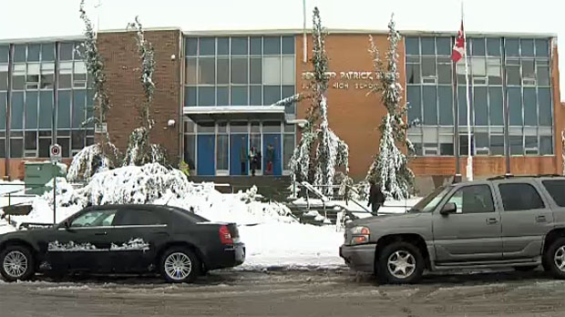September snowfall impacts some Calgary schools and businesses