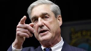 Then-FBI Director Robert S. Mueller III speaks in Tucson, Ariz., Jan. 9, 2011. (AP / Matt York)