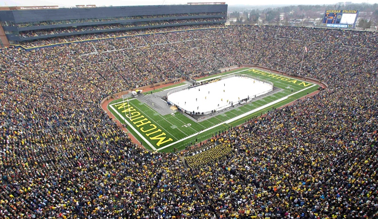 The Detroit Red Wings will host the Toronto Maple Leafs in an outdoor game at Michigan Stadium, seen here during a 2010 NCAA college hockey game, for the 2013 Winter Classic.  (AP / Carlos Osorio)