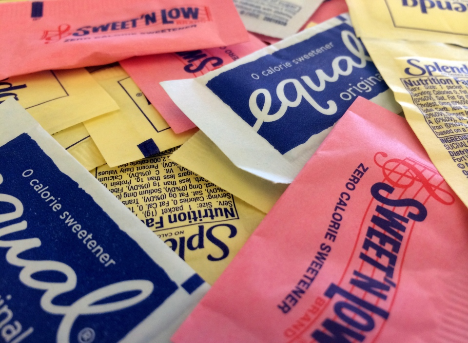 Artificial sweeteners are displayed in New York on Wednesday, Sept. 17, 2014. (AP / Jenny Kane)