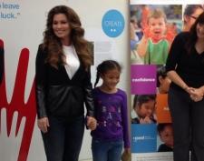 Shania Twain visits Ontario school