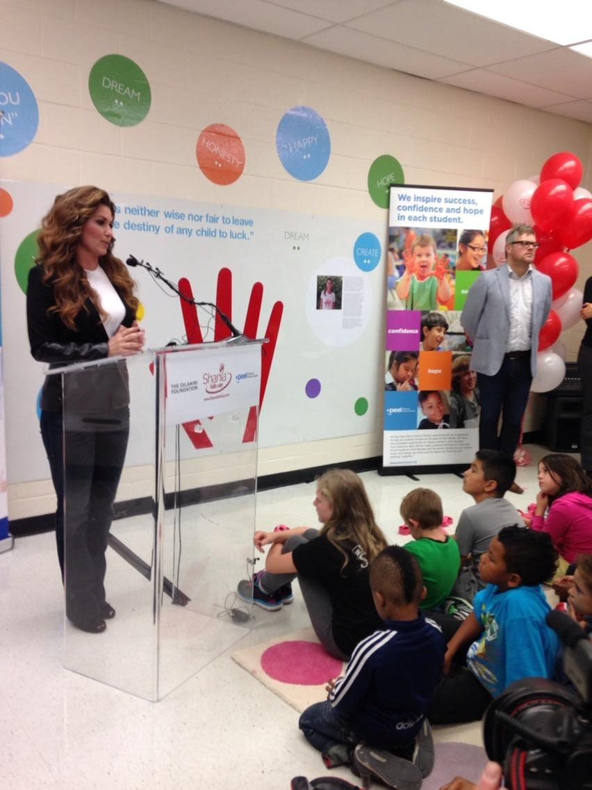 Shania Twain speaks to students at Sir Winston Churchill P.S. in Brampton, Ont., on Friday, Sept. 19, 2014. (Naomi Parness / CTV Toronto)