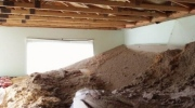CTV Winnipeg: Ceiling collapses with family home