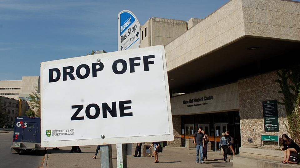 U of S drop off bus loop
