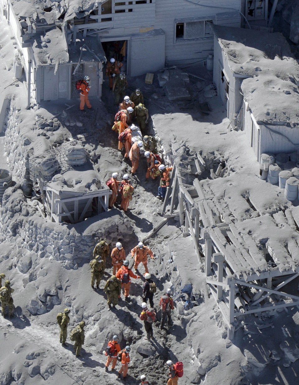 Japanese Volcano Death Toll Rises Rescue Halted By Toxic