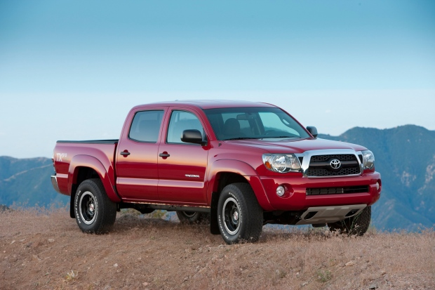 toyota recalls 690 000 tacoma pickups rear leaf springs can fracture and puncture gas tank. Black Bedroom Furniture Sets. Home Design Ideas