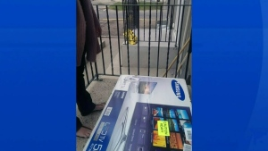 CTV Edmonton: Man shocked at delivery of new TV