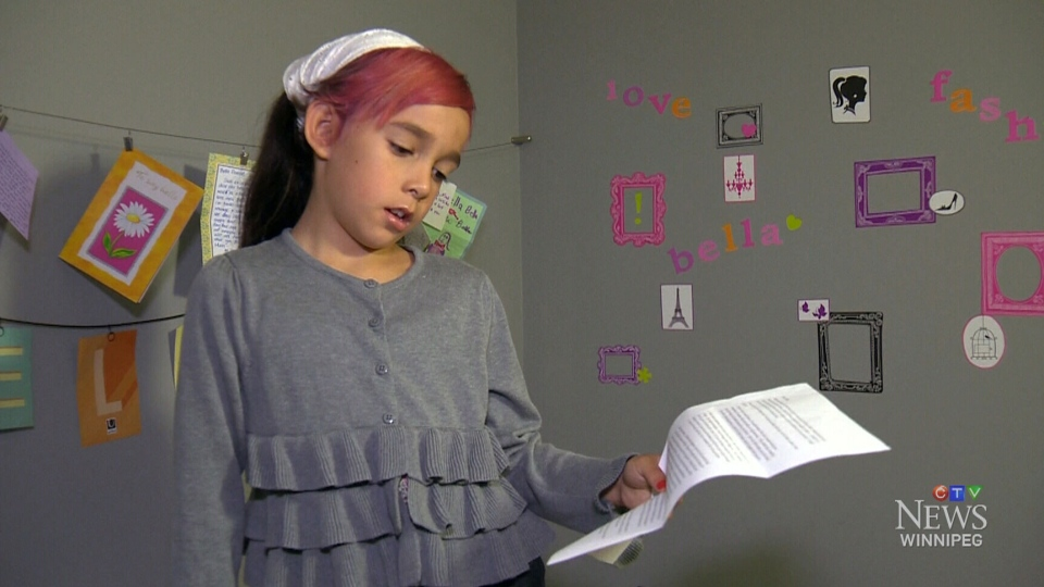 The parents of a Winnipeg girl who was angrily told she isn't allowed to use the girls' washroom at school want a human rights investigation.